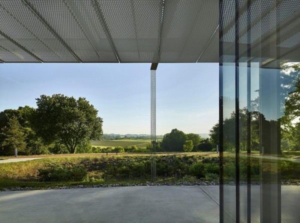 structural glass wall and solar screen frame view to Battlefield, Image Courtesy © Jeffrey Totaro