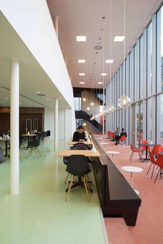 restaurant, Image Courtesy © René de Wit