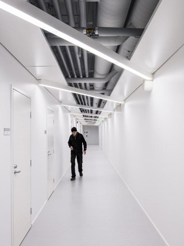backstage corridor, Image Courtesy © Tuomas Uusheimo