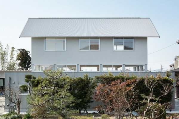 view from east side, Image Courtesy © Takumiota