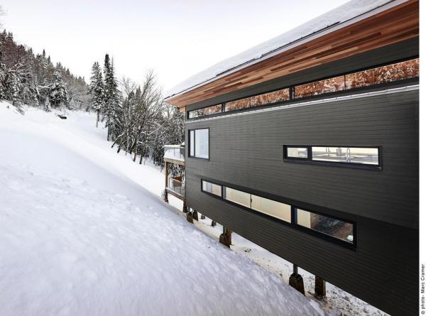 Partial view of entry facade, Image Courtesy © Marc Cramer