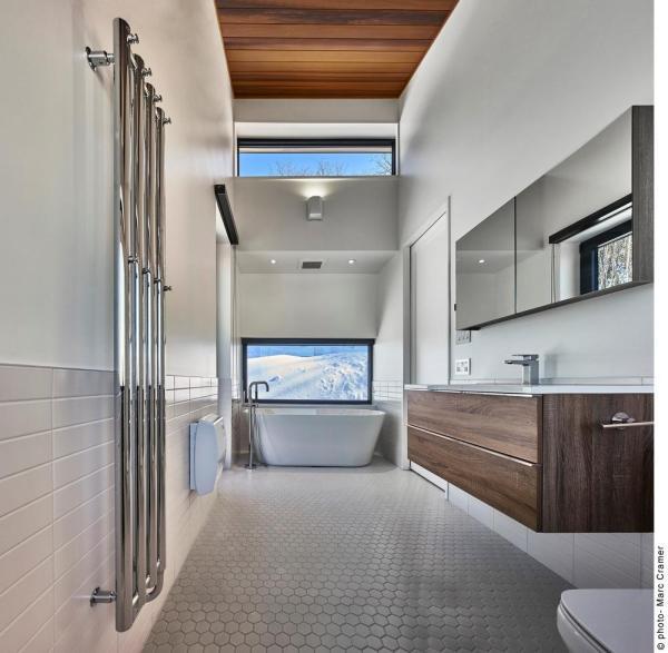 Master Bathroom, Image Courtesy © Marc Cramer