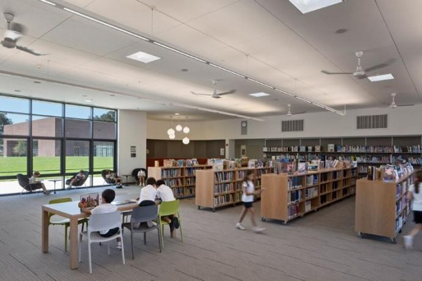 Emphasis on indoor air quality: 1. Daylight as light source; 2. Operable windows let fresh air in; 3. Fans circulate air; 4. High-performing lights with daylight and occupancy sensors, Image Courtesy © WRNS Studio