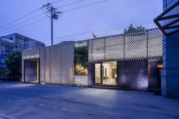 facade night, Image Courtesy © Atelier Alter