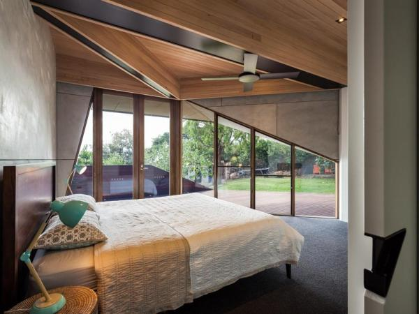 Master bedroom, Image Courtesy © Andrew Latreille