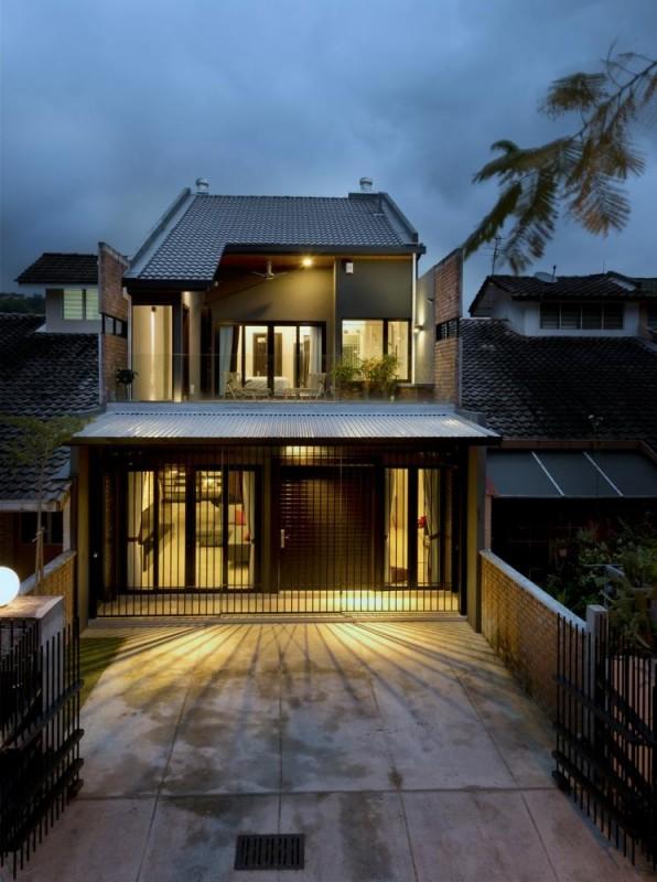 The house alit like a lantern, Image Courtesy © H. Lin Ho