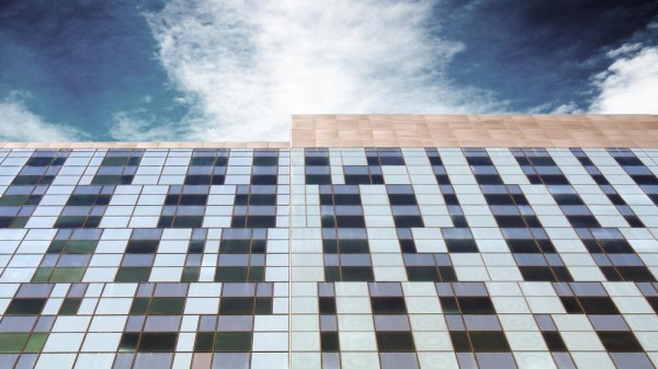 Curtain Wall facade along Viger Avenue , Image Courtesy © CannonDesign + NEUF architect(e)s