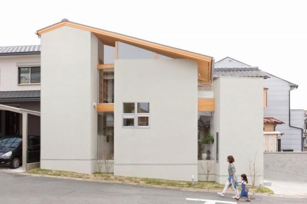 Image Courtesy © fuji-shokai/ masahiko nishida