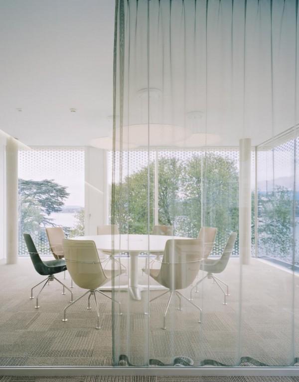 conference room, Image Courtesy © Brigida González Fotografie