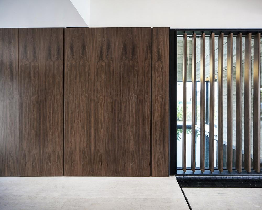 Rampe Garage In Porfido fsy house in buenos aires, argentina by andrés remy arquitectos