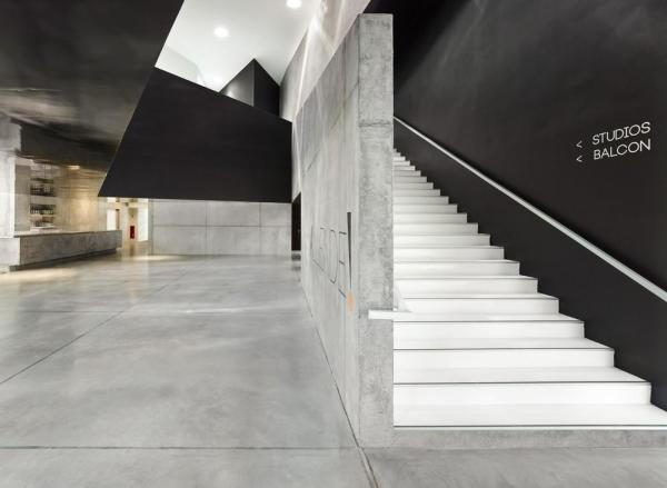 Allende Performance Hall And Rehearsal Studios In - Carrelage koehler