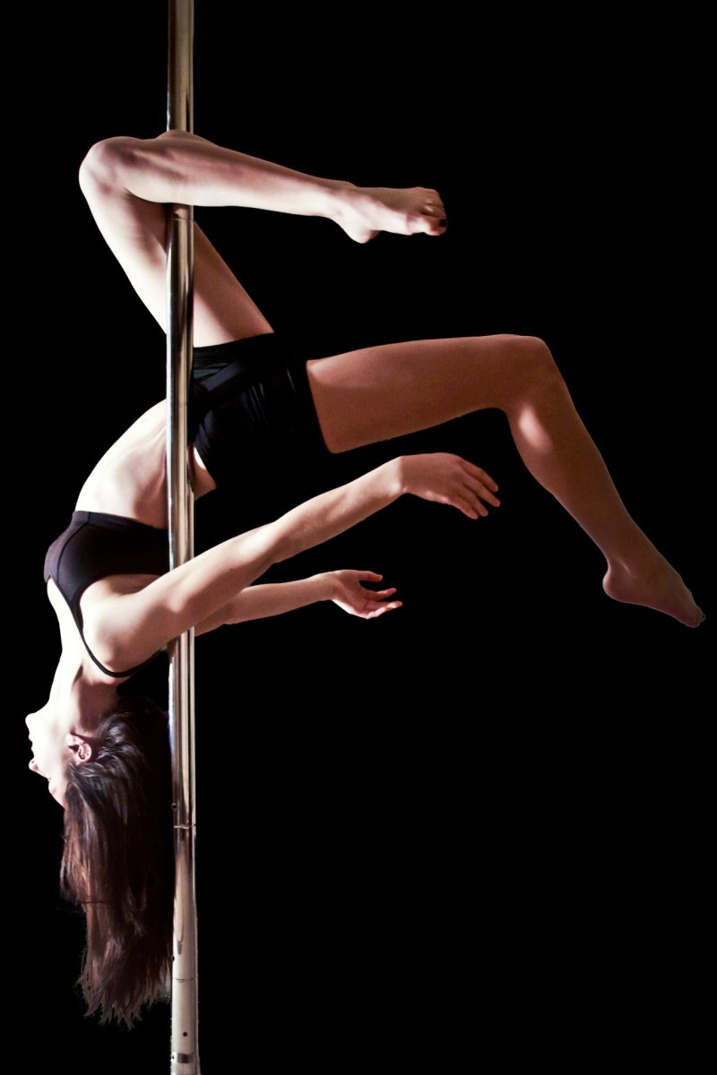 Korean Girls Try Pole Dancing : videos