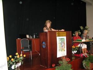 Värmländska riksdagsledamoten Ann-Krisitine Johansson håller tal och uppmanar till mer kontakt mellan förbundet och politikerna, både lokalt och nationellt.