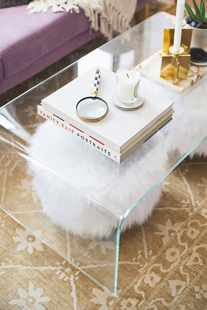 Small space hacks like this lucite table is uber chic!