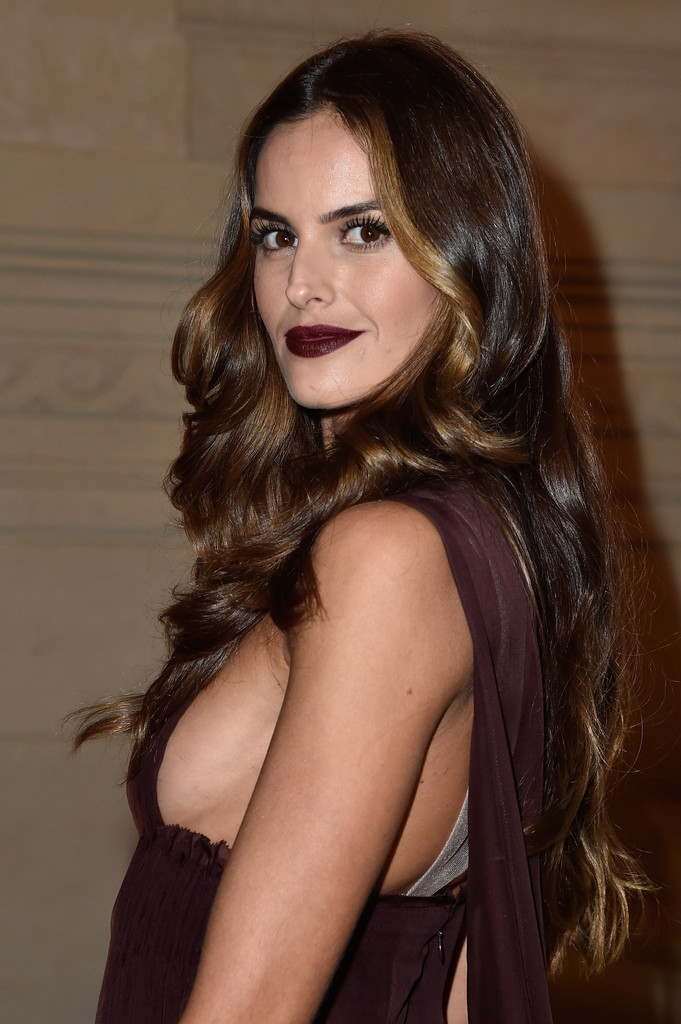 Izabel Goulart Dark Lipstick Beauty Lookbook StyleBistro
