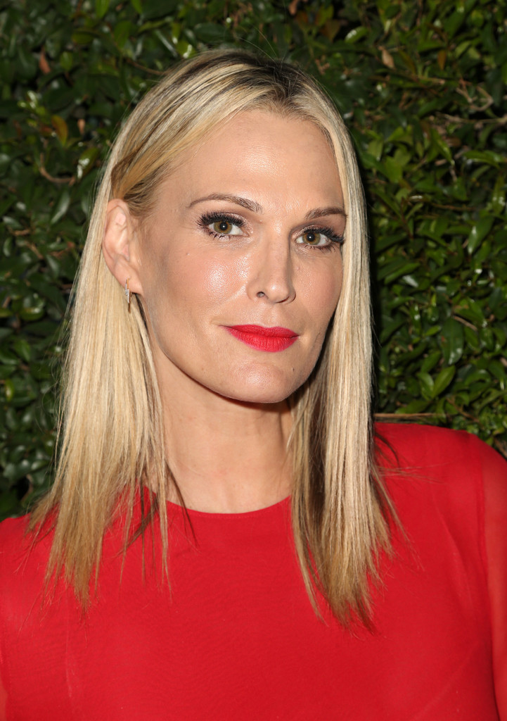 Molly Sims Red Lipstick Beauty Lookbook StyleBistro