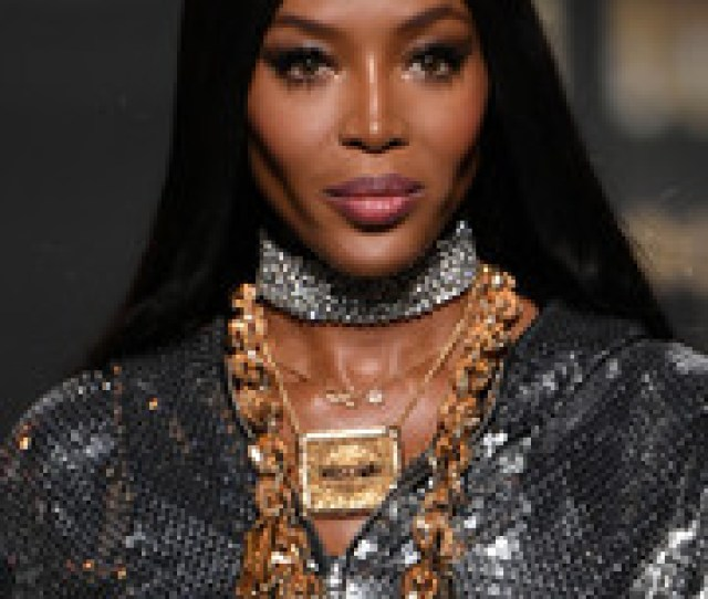 Naomi Campbell Wore Her Signature Sleek Straight Tresses At The Moschino X Hm Runway Show