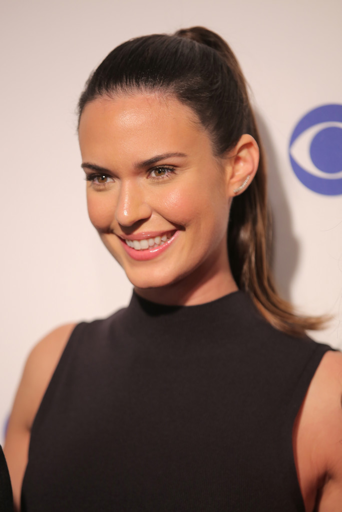 Odette Annable Ponytail Odette Annable Looks StyleBistro