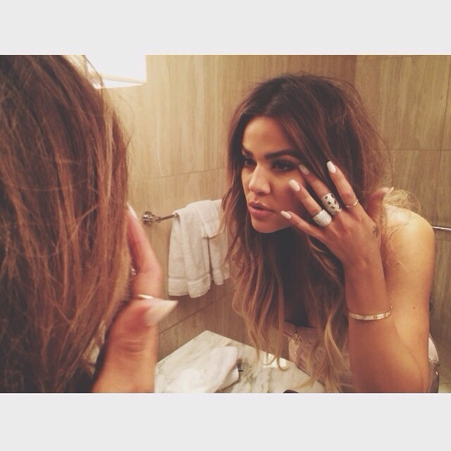 Khloe Kardashian Layers Up On Jewelry The Weeks Most