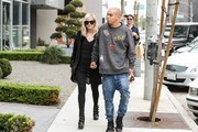 Ashlee Simpson and Evan Ross are seen.
