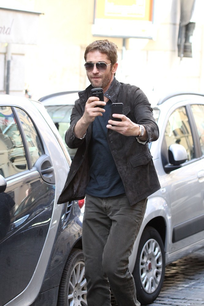 Celebrities and their Blackberry's? - forums.crackberry.com