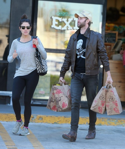 Nikki Reed - Nikki Reed and Paul McDonald Go Grocery Shopping