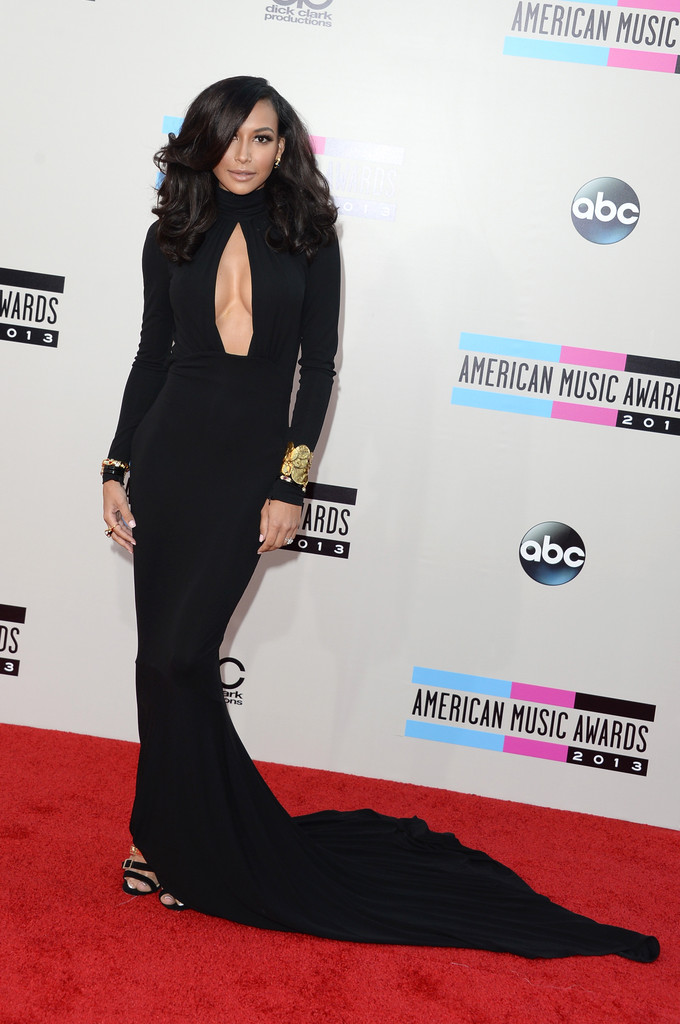 https://i2.wp.com/www2.pictures.zimbio.com/gi/2013+American+Music+Awards+Arrivals+7O4N8VCb4IVx.jpg