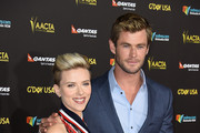 Actress Scarlett Johansson and actor Chris Hemsworth arrives at the 2015 G'Day USA Gala Featuring The AACTA International Awards Presented By QANTAS at the Hollywood Palladium on January 31, 2015 in Los Angeles, California.