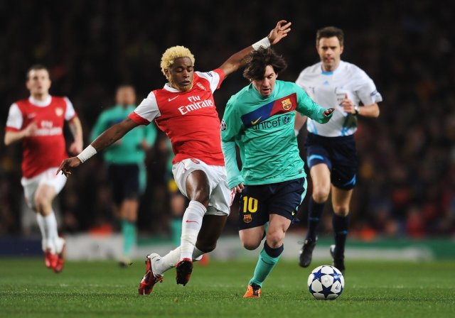 Lionel Messi, Alex Song - Lionel Messi and Alex Song Photos ...