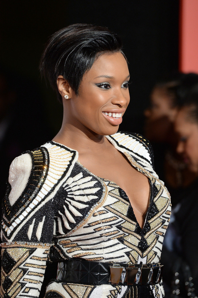 https://i2.wp.com/www2.pictures.zimbio.com/gi/Jennifer+Hudson+Arrivals+Soul+Train+Awards+ut95M559Qmox.jpg?resize=681%2C1024