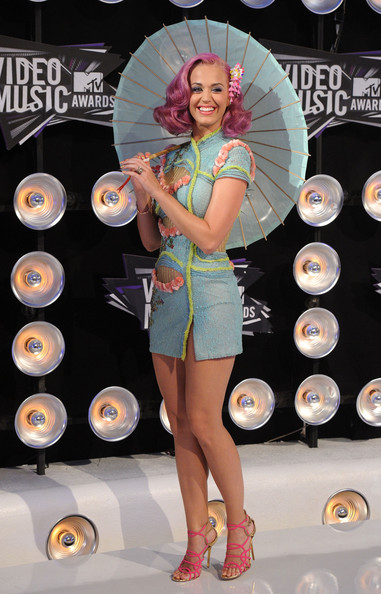 Katy Perry Singer Katy Perry  arrives at the 2011 MTV Video Music Awards at Nokia Theatre L.A. LIVE on August 28, 2011 in Los Angeles, California.