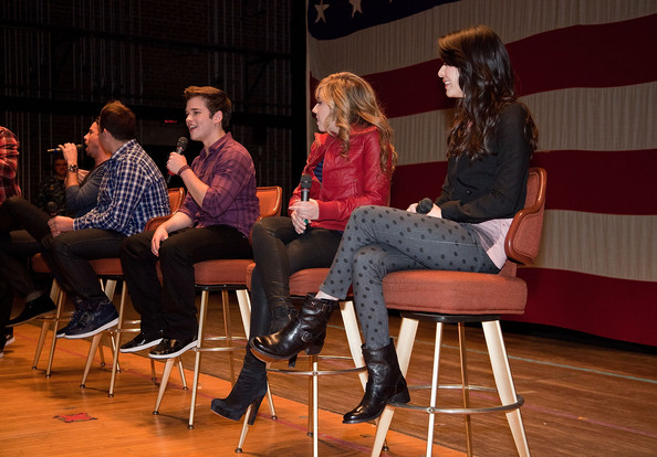 Nathan Kress (c) addresses the crowd during a question and answer session at Naval Submarine Base New London on January 11, 2012 in Groton, Connecticut. The cast of Nickelodeon's iCarly were presenting a special military family screening of iMeet The First Lady, an episode of their show featuring Michelle Obama.