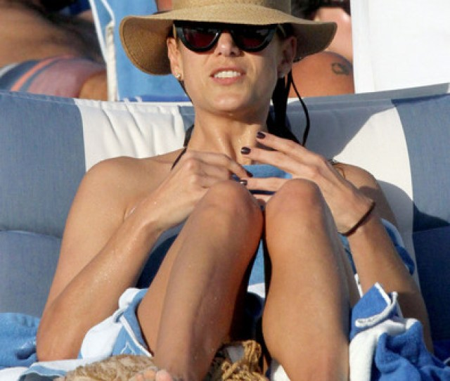 Katewalsh In Kate Walsh On The Beach In Miami