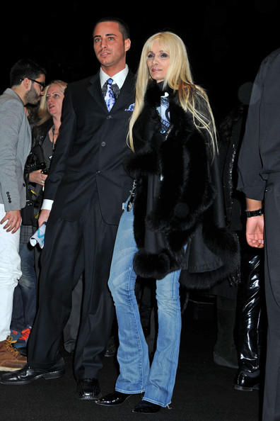 Rachel Zoe Leaves Naomi Campbells Fashion For Relief Show