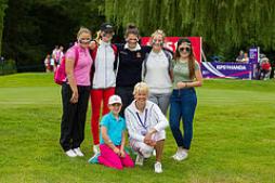Sarah Bennett with Golfing Girl