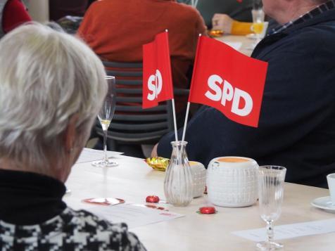 Neujahrsempfang SPD Waltrop 2019 Fahnen Anne-min