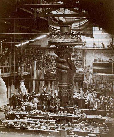 Resultado de imagen de construcción estatua de la libertas