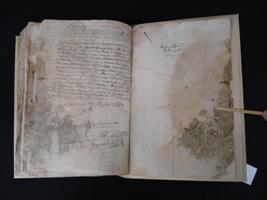 Llibre de la comptadoria d'hipoteques de Sort després de la restauració