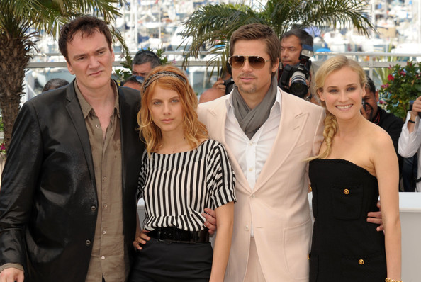 https://i2.wp.com/www3.pictures.fp.zimbio.com/Inglorious+Bastards+Photocall+Cannes+Film+RvlwOuObOHBl.jpg