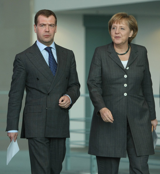 Angela Merkel German Chancellor Angela Merkel and Russian President Dmitry Medvedev arrive to speak to the media after bilateral talks at the Chancellery on March 31, 2009 in Berlin, Germany. The leaders are meeting in preparation for the upcoming summit of the G20 group of nations in London.  (Photo by Sean Gallup/Getty Images) *** Local Caption *** Angela Merkel;Dmitry Medvedev