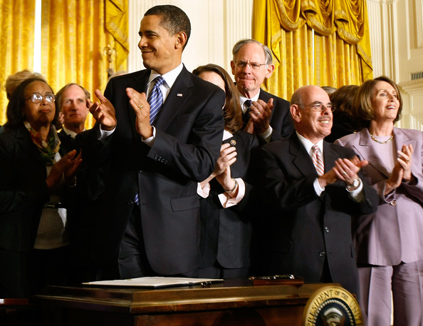 """U.S. President Barack Obama (C) applauds after signing an Executive Order reversing the U.S. government's ban on funding stem-cell research during a ceremony with (R-L) Speaker of the House Nancy Pelosi (D-CA), House Energy and Commerce Committee Chairman Henry Waxman (D-CA) and Rep. Mike Castle (R-DE) in the East Room of the White House March 9, 2009 in Washington, DC. Obama also signed a Presidential Memorandum pledging that the new administration """"base our public policies on the soundest science; that we appoint scientific advisors based on their credentials and experience, not their politics or ideology.""""  (Photo by Chip Somodevilla/Getty Images) *** Local Caption *** Barack Obama;Nancy Pelosi;Mike Castle;Henry Waxman"""