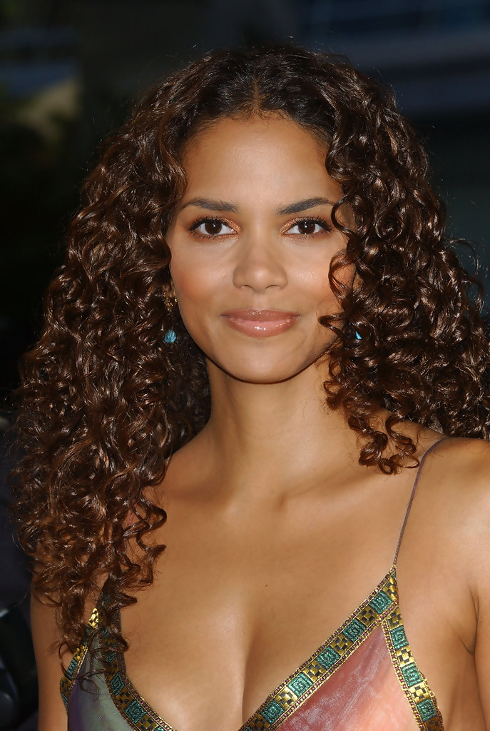 Halle Berrys Long Curls The Best Hairstyles For Heart