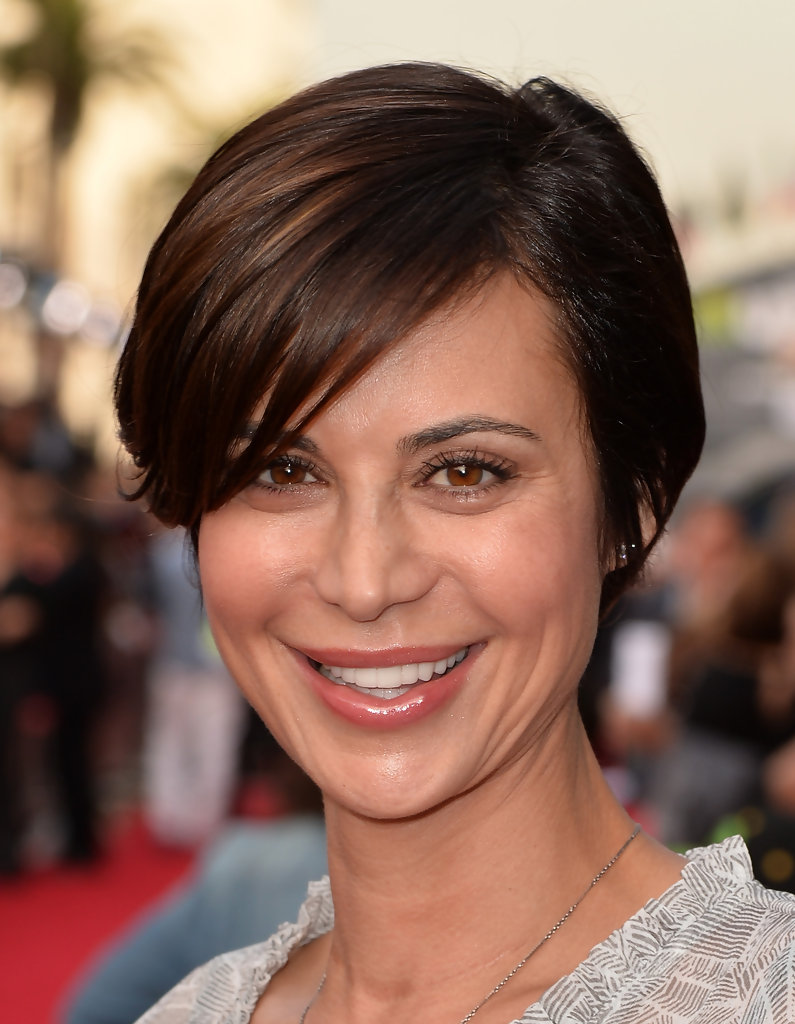 Catherine Bell Side Parted Straight Cut Short Hairstyles