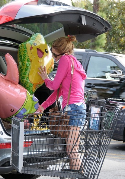 Ashley Greene - Ashley Greene Picks Up Party Supplies