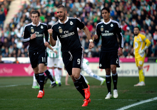 Karim Benzema of Real Madrid CF celebrates scoring their opening goal during the La Liga match between Cordoba CF and Real Madrid CF at El Arcangel stadium on January 24, 2015 in Cordoba, Spain.