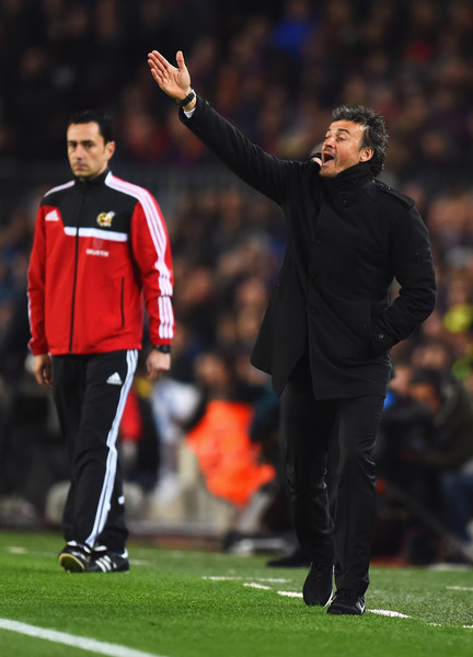 Luis Enrique manager of Barcelona gives instructions during the La Liga match between FC Barcelona and Real Madrid CF at Camp Nou on March 22, 2015 in Barcelona, Spain.