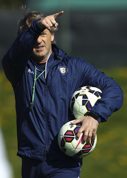 FC Internazionale Milano coach Roberto Mancini gestures during an FC Internazionale training session at the club's training ground on April 7, 2015 in Appiano Gentile Como, Italy.