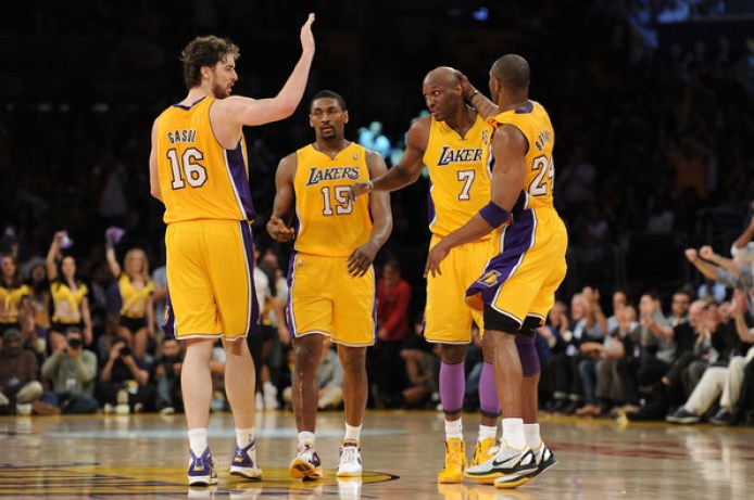 https://i2.wp.com/www3.pictures.zimbio.com/gi/Kobe+Bryant+Metta+World+Peace+New+Orleans+rqIU_yggH4Pl.jpg?resize=694%2C461