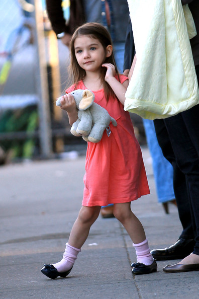 """Katie Holmes spends the day on the New York set of  """"Son of No One""""  with her daughter Suri. In the movie, Katie stars opposite Channing Tatum who was also on set."""
