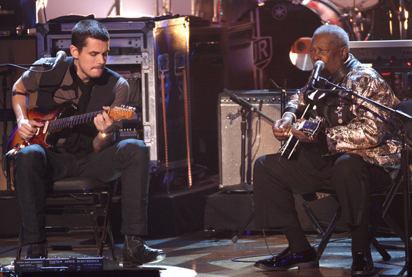 Musicians John Mayer (L) and B.B. King perform onstage during the Grammy Nominations concert live held at the Nokia Theatre LA Live on December 3, 2008 in Los Angeles, California.  (Photo by Kevin Winter/Getty Images) *** Local Caption *** John Mayer;B.B. King